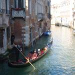 【イタリアに行こう♪21】ヴェネツィアで憧れのゴンドラに。30分の遊覧は見えざる恐怖につつまれていた・・・。